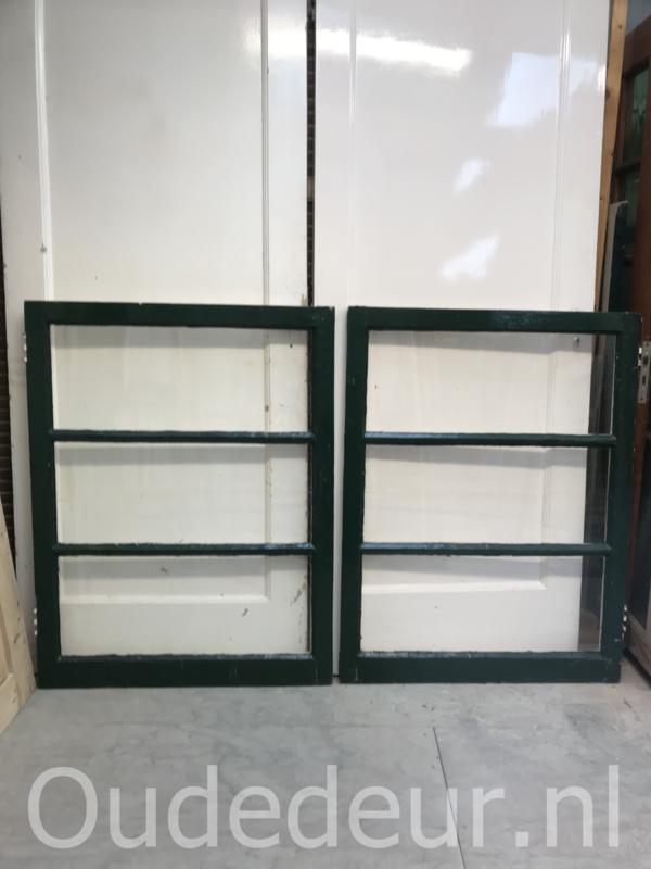 nr. r192 4 gelijke oude ramen