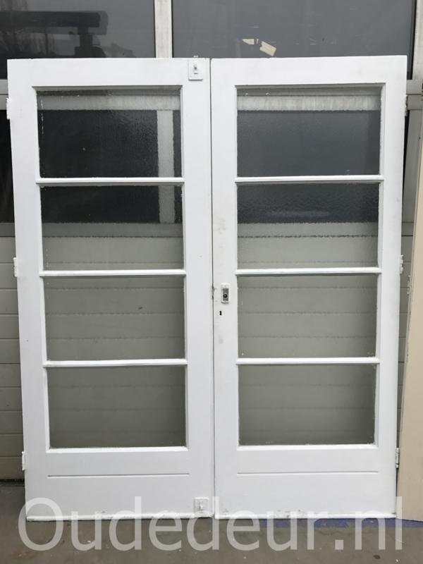 nr. 539 oude deuren met vier ruiten