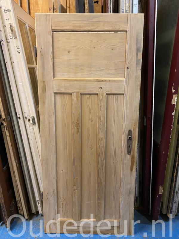 nr. 1129 kaal gemaakte oude deur
