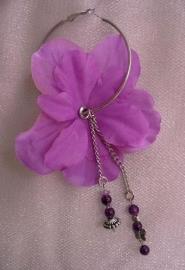 Bloem oorbel  violet