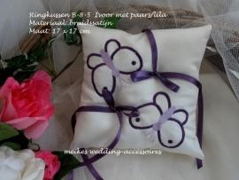 Ringkussen B-8-5  Ivoor met paars/lila   (u-14)