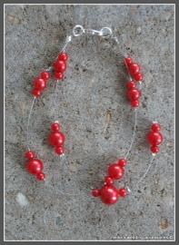 Armbandje KLa-rd-5 met rode glasparels