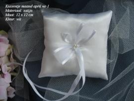 Ringkussen MA-4  april  WIT  NIEUW !!      (u-2)