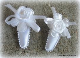 Haarclipjes HA-br-baby-4  wit/iwit  satijn bloemetje/wit roosje (per 2)