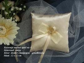 Ringkussen MA-4  april   CAPPUCCINO /GOUDKLEURIG  NIEUW!!   (u-2)