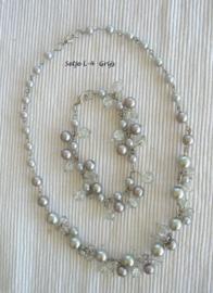 Setje LM grijs  - ketting - armbandje - oorhangers