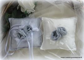 Ringkussen Lin R 3  grijs-wit  of (op verzoek) ivoor-grijs  NIEUW !!