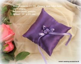 Ringkussen 14-126  paars met lila lint en roosjes