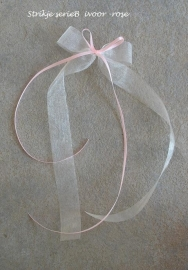 antennestrikjes  roze  of zalmroze