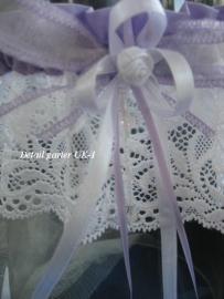 Kouseband  UK-1  Wit met lila  NIEUW !!