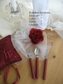 besteksetjes  voor bijv. bruidstaart/feestje no 7  bordeaux