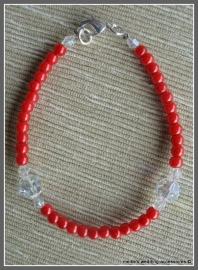 Kla-rd-1  Armbandje meet rode glasparels