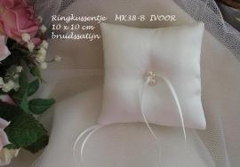 Ringkussen MK 38-B  ivoor met pareltjes in satijn   (u-3)