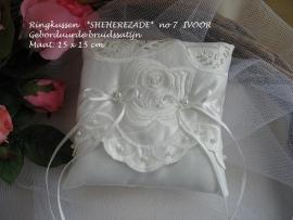 Ringkussen  SHEHEREZADE  no 7  Ivoor  NIEUW !!