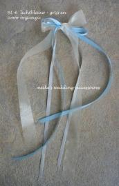 Antennestrikje BL-6 lichtblauw - grijs en ivoor organzalint