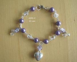 Armbandje  (bruid)  met paars/lila pareltjes  en hartjes bedel ABM-2
