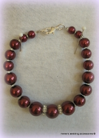 GLak-M-7  Armbandje bordeaux met strass spacers