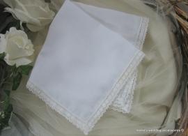 Bruidszakdoekje - wit -  met kant  (157)  32 x 32
