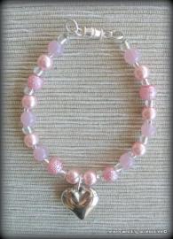 Armbandje M-brm-14  glasparels roze