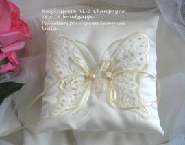 Ringkussen VL - 2  Champagne  bruidssatijn  18 x 18   NIEUW !!