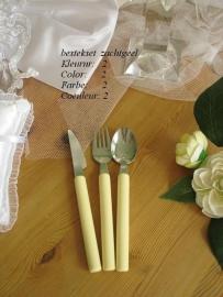 besteksetje  voor bijv. bruidstaart/feestje  no 2  zachtgeel