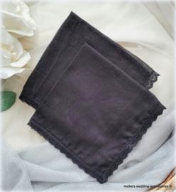 Bruidszakdoekje zwart met zwart kant.