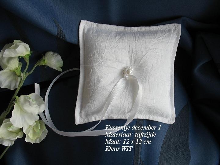 Ringkussen MA-12  december  WIT   NIEUW !!  (u-2)