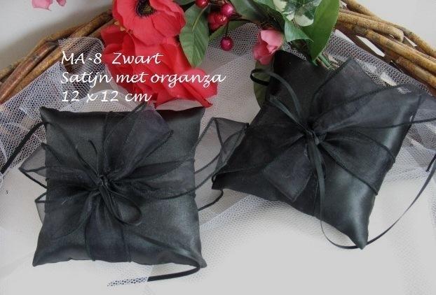 Ringkussen MA-8  Zwart    (u-2)