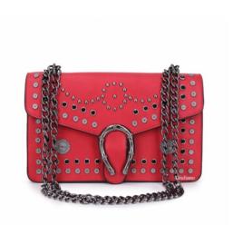 Rode schoudertas met studs van het merk giuliano