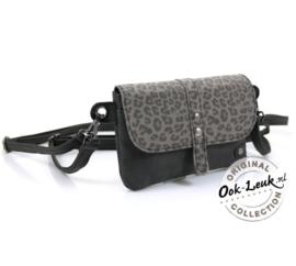 Zwart/grijze met panter print cluctch van het merk ookleuk