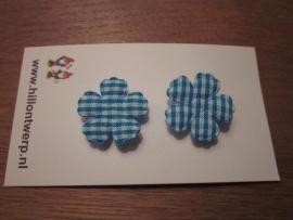 Blauw geruit bloemetje