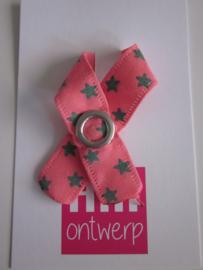 Zalm roze lint met groen sterretje met metalen drukker