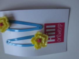 Blauwe knipjes met gele bloem