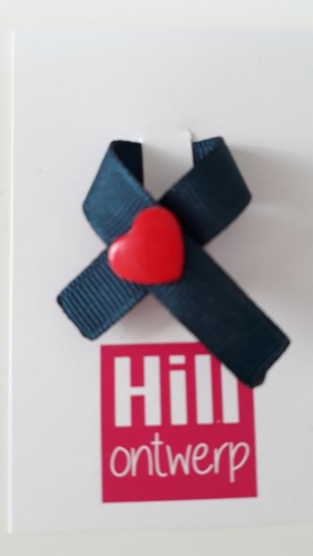 Donker blauw met rood hartje