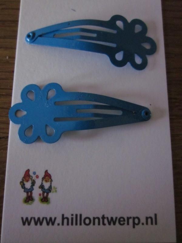 Blauwe bloemknipjes