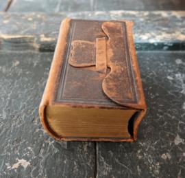 Antiek bijbeltje