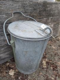 Zinken vuilnisemmer 's-Gravenhage