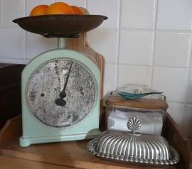 Brocante keuken weegschaal