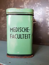 Oud collecte busje, medische faculteit