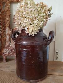 Oude aardewerk pot
