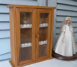 Brocante vitrinekastje