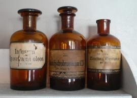 "Apothekersfles ""Acidum hydrobromicum"" VERKOCHT"