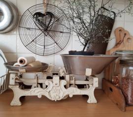 Oude Keukenweegschaal
