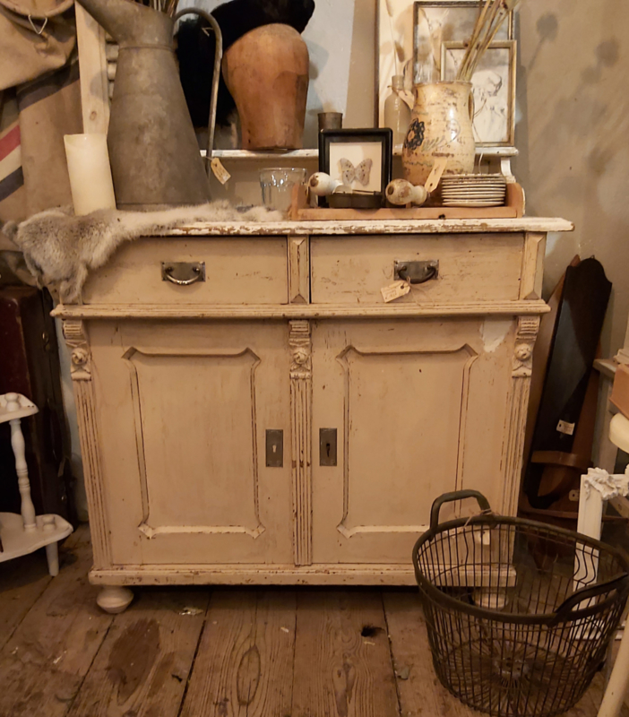 Shabby commode kastje