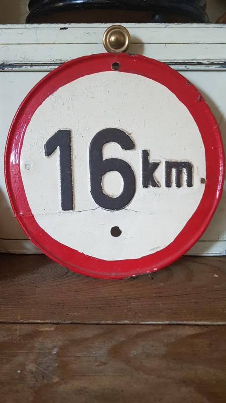 Oud 16 km bordje