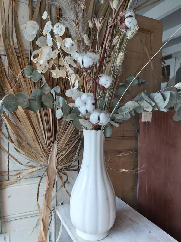 Droogbloemen in Delft witte vaas