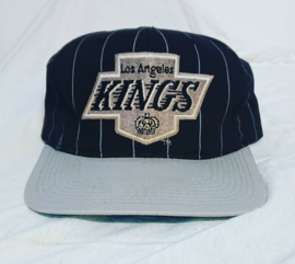 VINTAGE 90S STARTER PINSTRIPE PET ( LICHT GEBRUIKT ) LOS ANGELES KINGS