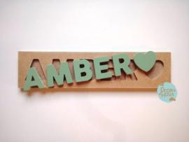 Naampuzzel 0-5 letters. Bijv. 'Amber'