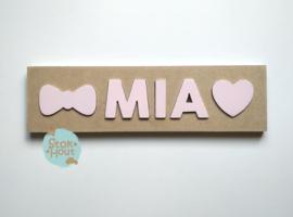 Naampuzzel 0-5 letters. Bijv. 'Mia'