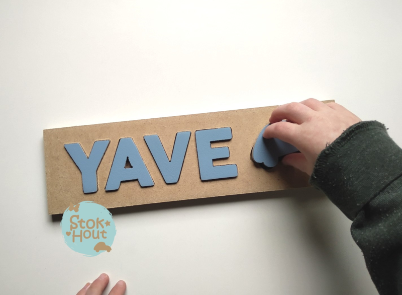 Naampuzzel 0-5 letters. Bijv. 'Yave'